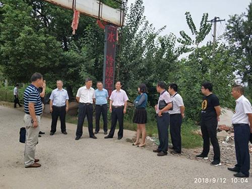 黄冈市委副书记、市人民政府副市长张市长到五七港项目视察工作